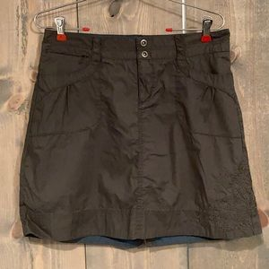 REI gray embroidered skirt size 6